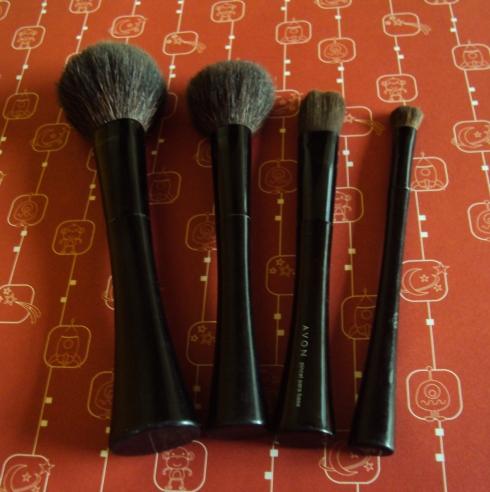Pincéis Avon: pó, blush, base e sombra