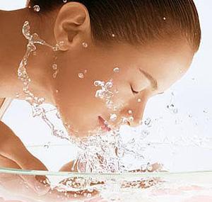 Água: indispensável para uma pele bonita